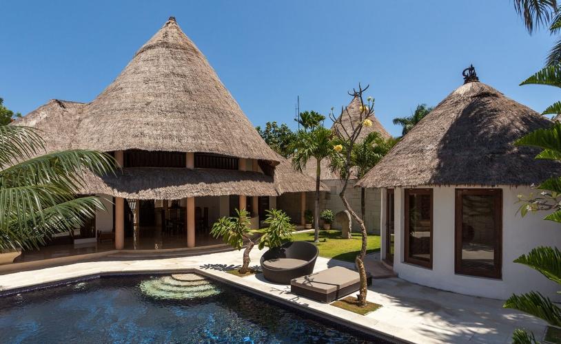 bViila + seaside 3 bedroom villa
