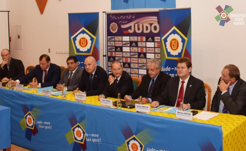 EUROPEAN CUP SENIORS BRATISLAVA 2015