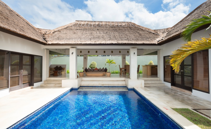 bViila + pool 2 bedroom villa